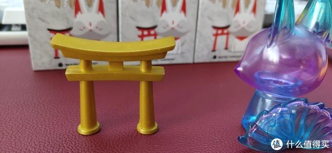 接下来看一下配搭拱门的造型。有点中国风呢。二郎神那个。