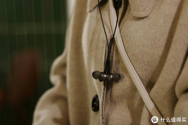 运动时怎么可以没有音乐!iqua G38耳机颜值和音质就很不错