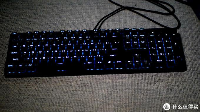 拳拳到肉这才是宅男游戏键盘,雷神K30开箱体验