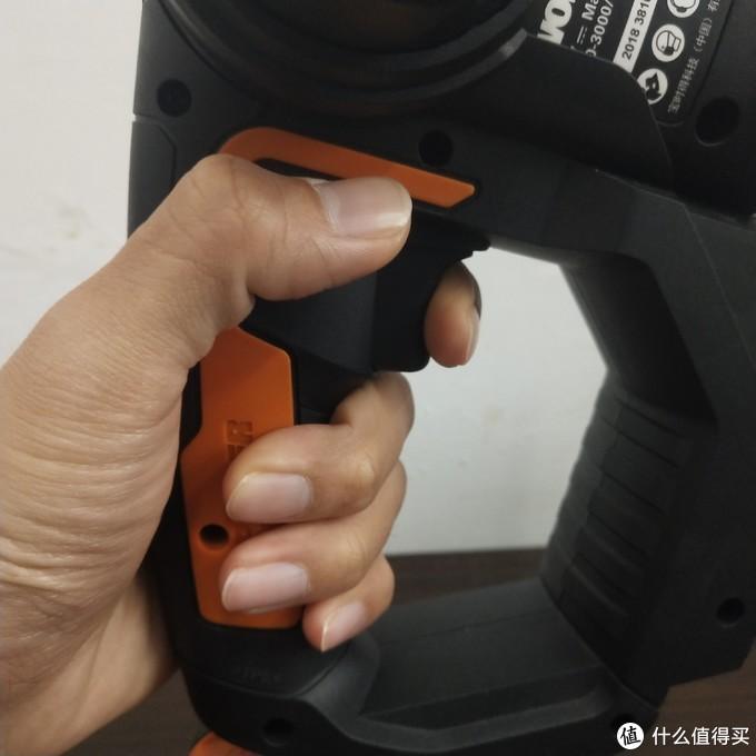 电锯狂魔vs锤肉狂魔——电锯筋膜枪使用实录(附购买建议)