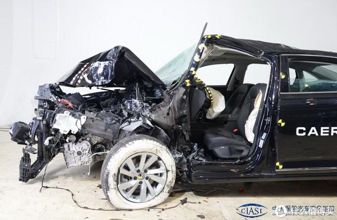 上汽帕萨特中保研碰撞测试成绩简析,附IIHS碰撞测试成绩对比