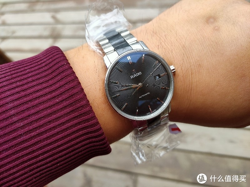 浪琴与RADO谁更好?!非常耐看的正装表RADO雷达R22860152珍珠陶瓷男士机械腕表