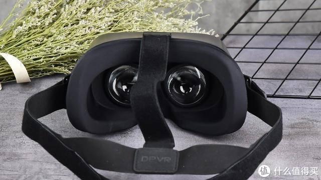 大朋VR P1 Pro 4K游戏初体验,原来男人的快乐真就这么简单!