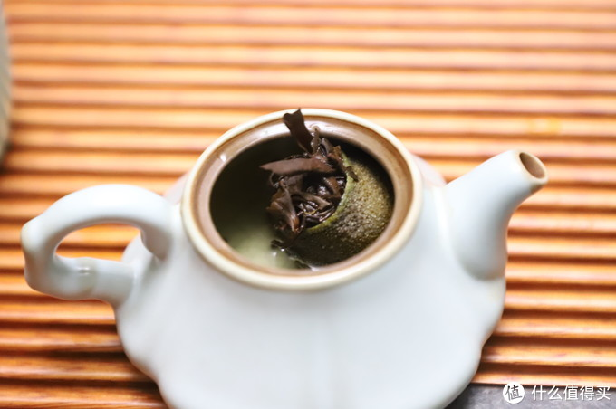 茶有百味,适口为珍。八马小柑白,白茶×柑皮 轻盈的果香是我喜欢的味道。