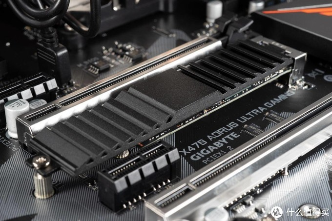 初尝NVMe SSD就踩坑 – 追加NVMeSSD储存体验
