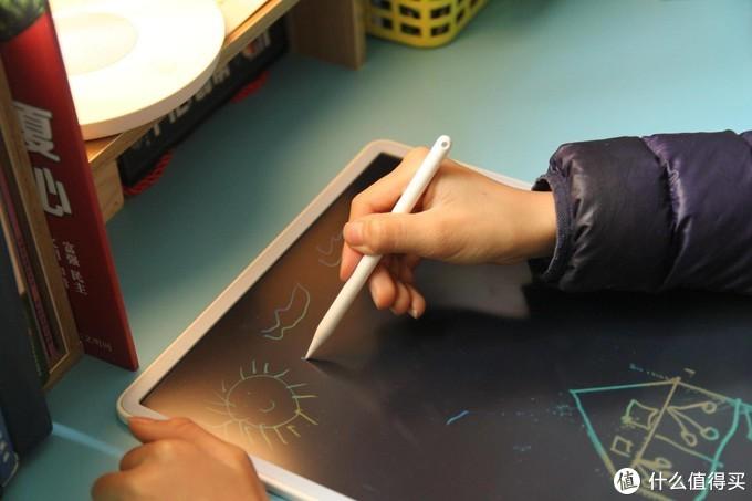 无涂鸦不童年,免洗手的小寻液晶手写板涂鸦不脏手
