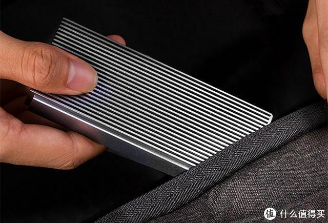 速率达40Gbps雷电3,轻松连5K,这款硬盘盒激发固态硬盘读写潜力