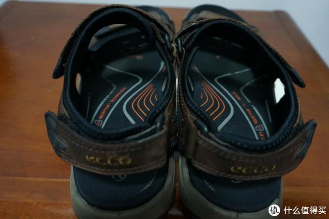 俯视图,感觉自己用东西还是比较仔细的,鞋底的印花还都在