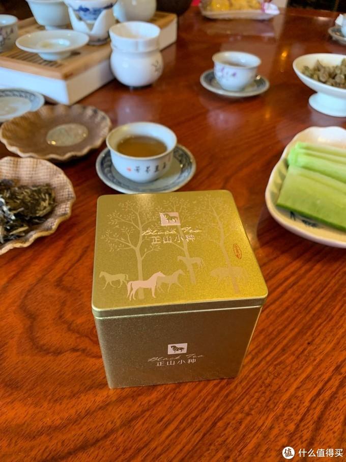 茶有百味,适口为珍。八马茶业金索红一级正山小种,红茶、红叶、红汤。