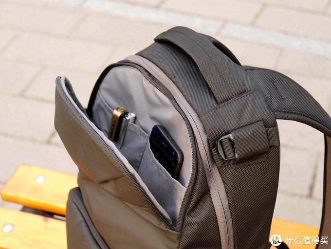 摄影爱好者的最爱,曼富图Advanced2动感版摄影背包