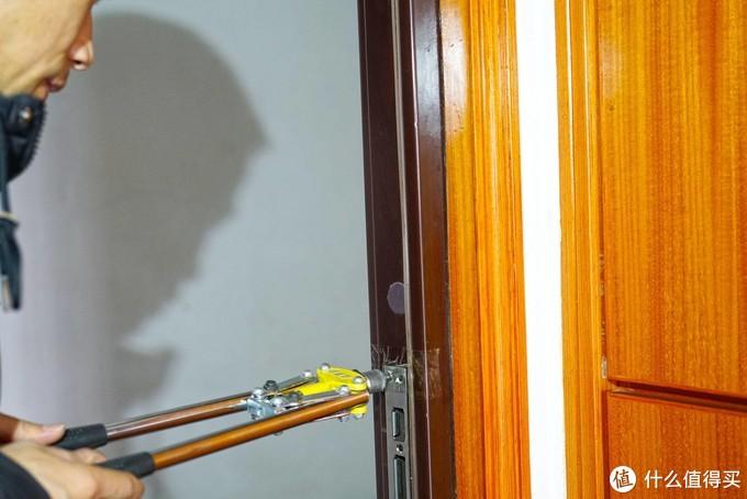 德施曼3D人脸识别智能锁R7,引领刷脸开锁新时代