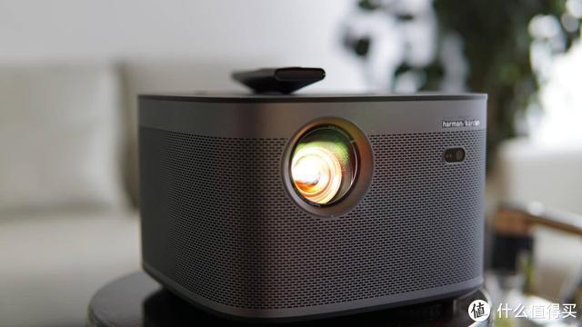 最高配置智能投影真实测评:极米H3对比大眼橙X10