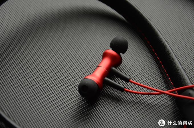 国产蓝牙耳机VOYO V1评测:21小时续航,IPX4级防水设计