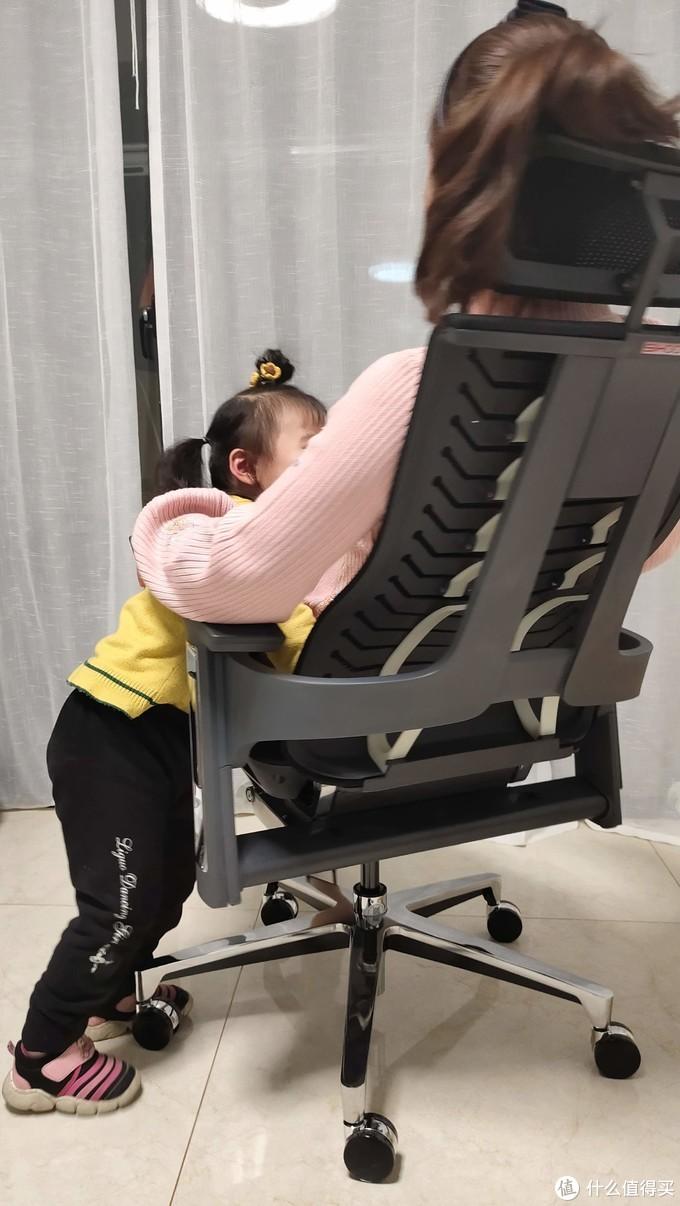 用料扎实---西昊R1人体工学椅