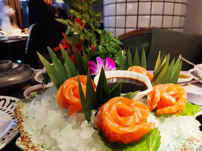 """在成都居然有一家叫做""""集渔""""的泰式火锅秒杀了很多家成都老火锅店"""