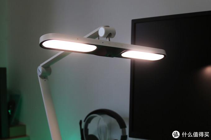 智能生态先行者:Yeelight光感护眼台灯体验