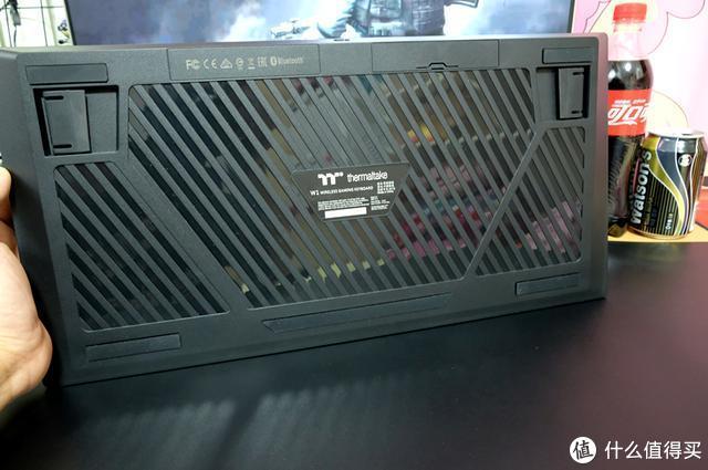 一把键盘三种连接方式,轻松控制PC 手机 平板电脑,Tt曜越G821飞行家三模机械键盘开箱体验