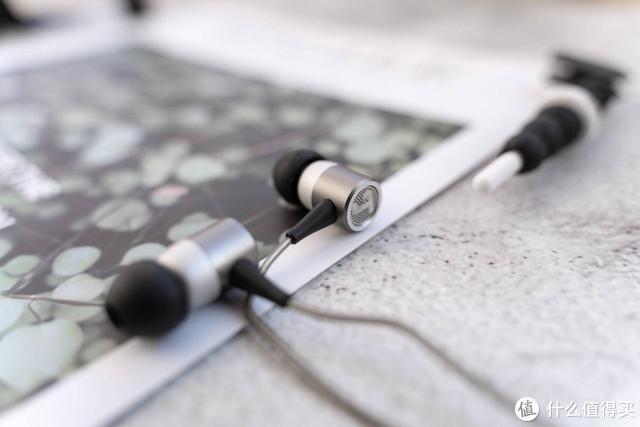 德国人做耳机不考虑成本吗?199块钱上这样的配置?