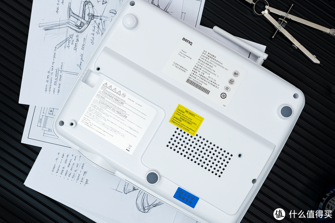 无线投屏 = 办公室的必备大件?明基E500商业投影仪体验