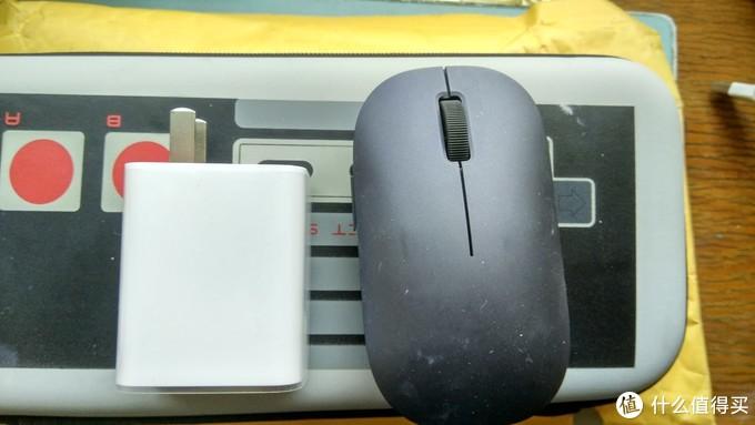 和脑婆使用的小米鼠标对比下【一个女孩子用东西却灰突突的】