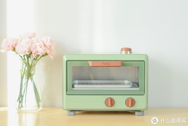 小米品罗蒸汽烤箱:年轻小资家庭烘焙神器,一次能烤8个鸡翅