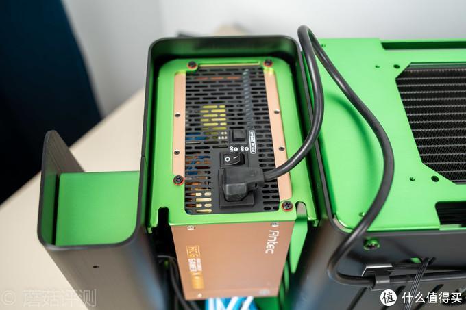 爱她,就给她装一台原谅色主体的电脑!乔思伯MOD1-MINI ITX机箱 评测