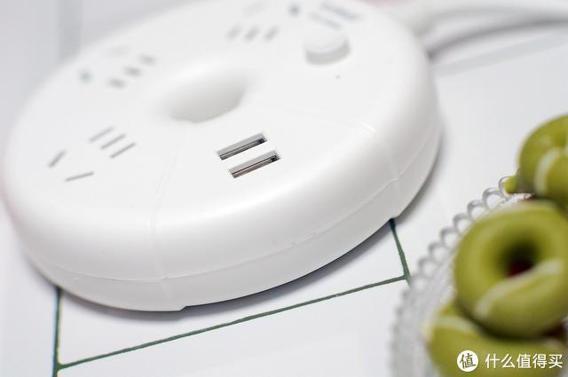 不能吃的甜甜圈却是点缀座面的供电小装饰
