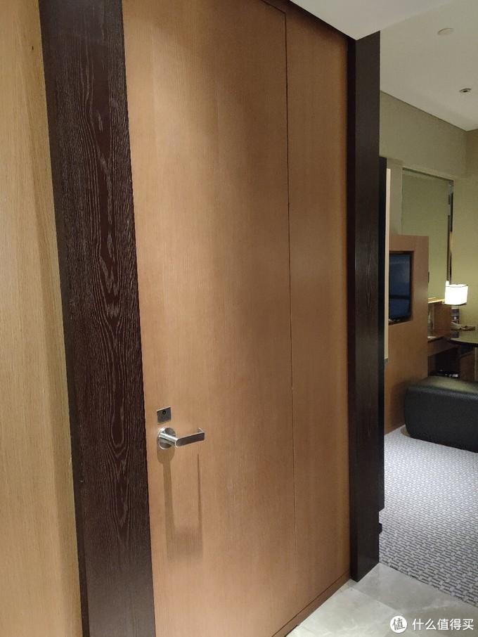 入住这家南京老牌五星级酒店,我差点找不到厕所……