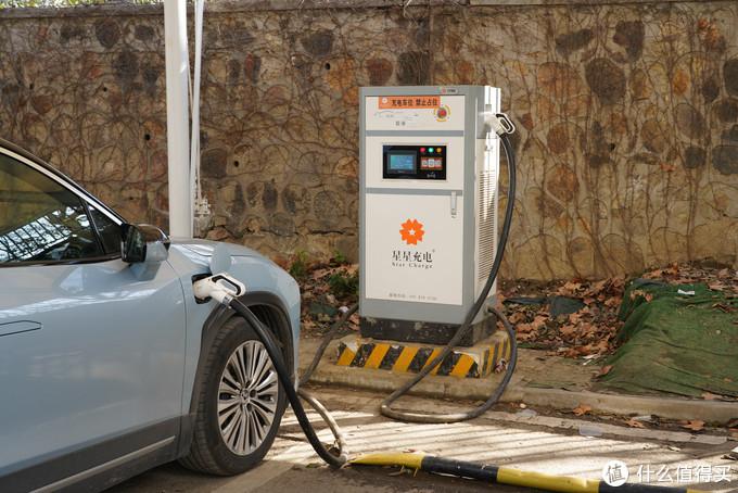 真香警告!蔚来ES6在家无充电桩情况下如何存活--论一位即将成为电动爹车主的修养