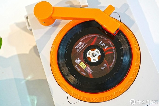 迷你黑胶唱片机TT254,怀旧复古情怀+音乐播放器,会造就怎样的听感呢