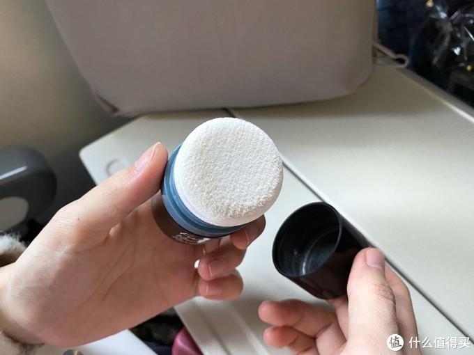 轻便又实用的上机随身物!来看看女生的旅行包里有哪些小玩意