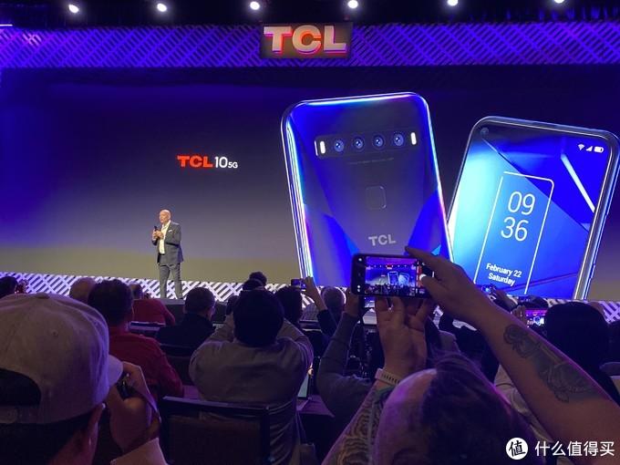 CES 2020:TCL首款5G手机来了!主打拍照设计太独特