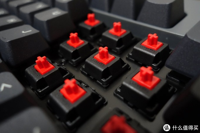 一次满足三个愿望,TT G821飞行家三模键盘体验