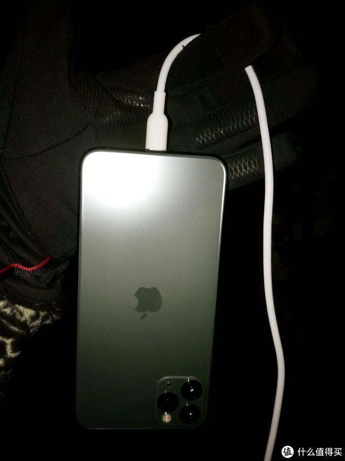 适合旅行携带的轻小苹果18w快充测试,中国冷极之行