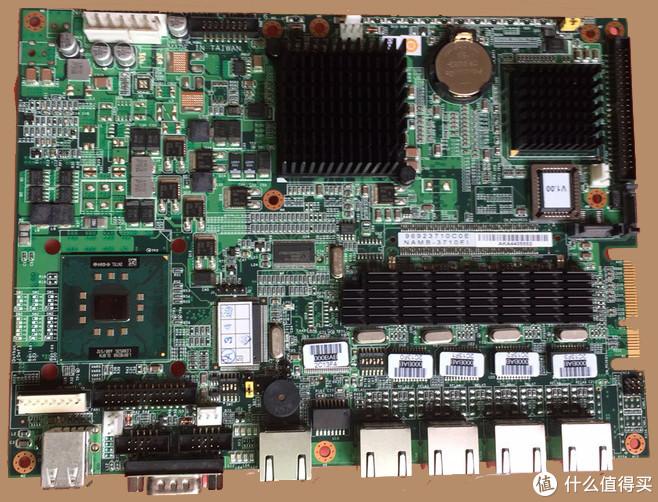 侧面的接口没有拍照片,从左到右是双USB2.0口-COM口-百兆口X1-千兆口X4