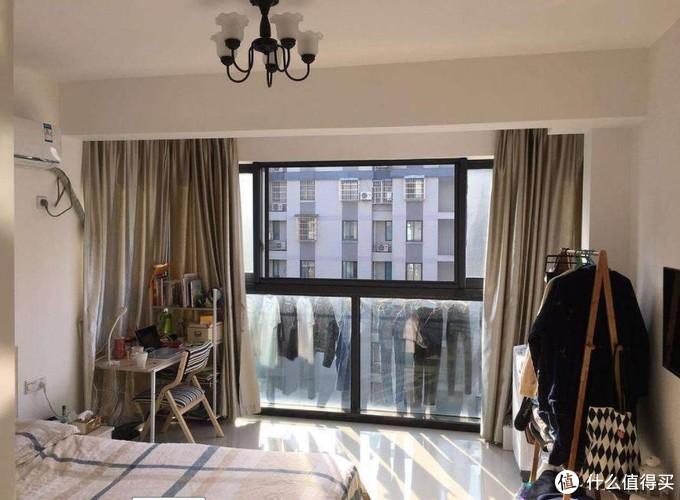 阳台连客厅,你家的衣服都晒给客人看?