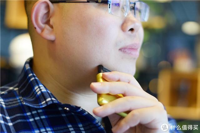 小米生态链推出变形金刚定制款剃须刀,399元的售价,你会买吗?