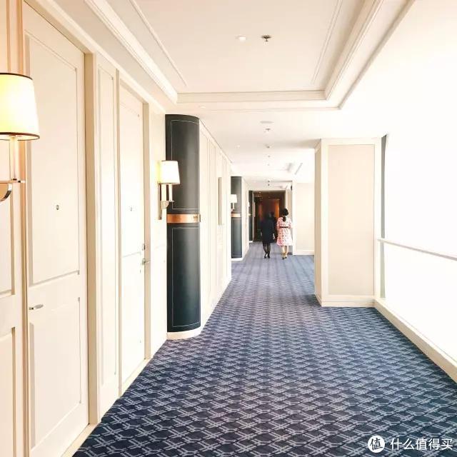 我们第一次,深入探索一家酒店是如何为客人定制结婚纪念日的
