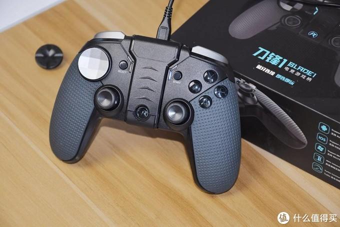 自带手机支架,常用游戏无需设置,仁魔刀锋1游戏手柄上手体验,多平台支持更实用!