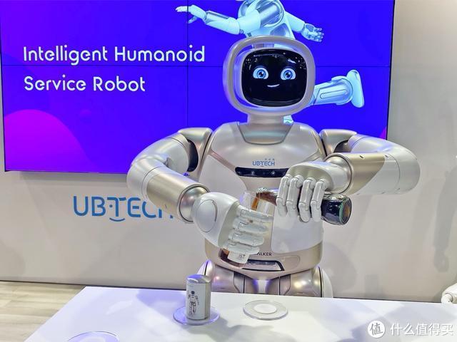 Walker全新亮相CES 2020,优必选科技引领AI机器人商业化