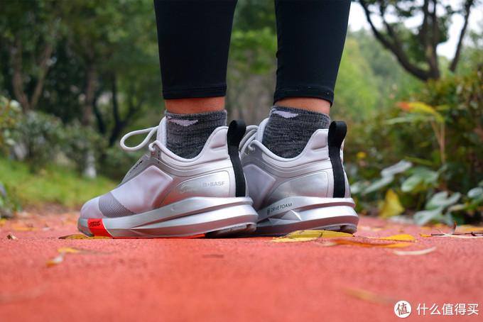 潮鞋流派OR实战流派——李宁星耀跑鞋