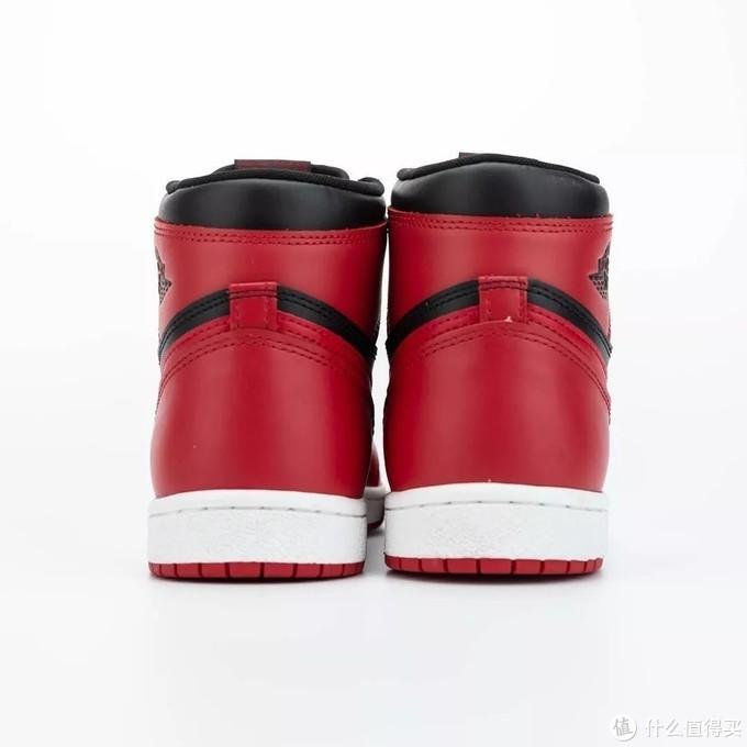 "YEEZY 700 MNVN"" Bone""已准备上架,同时新鞋型QUANTUM发售消息释出"