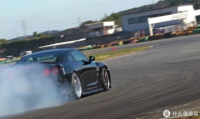 横着走才霸道,将日产GT-R改成后驱打造漂移神车!