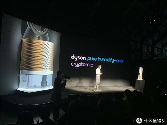 新品|戴森三合一加湿空气净化风扇上市 首次照射即可杀死水中 99.9%的细菌