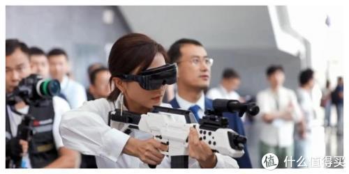 VR界关公战秦琼:贵千元酷睿视高清影院与华为VR眼镜开箱横评