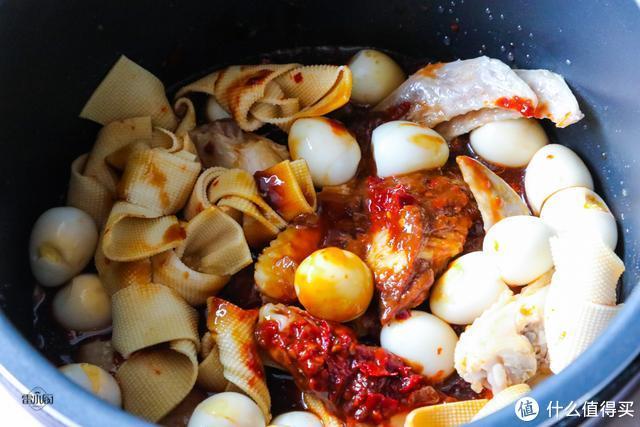 春节常吃的大菜,提前卤一锅,吃的时候热一下就上桌,香