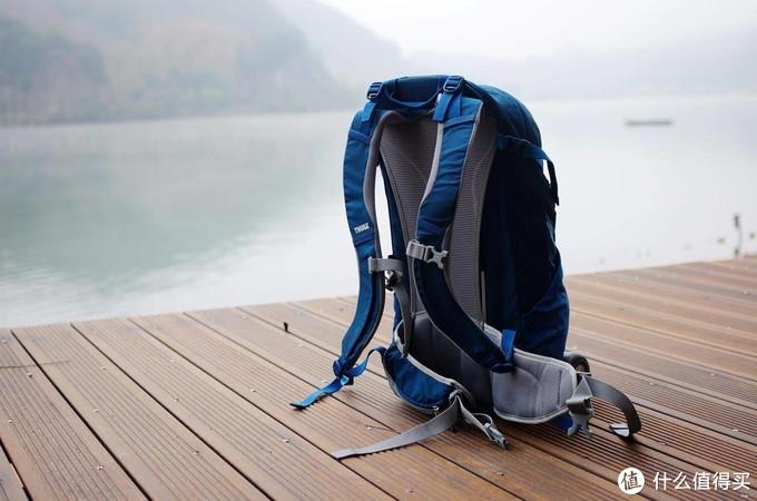 旅游/短线背包怎么选—拓乐 Thule Capstone 22L背包体验记