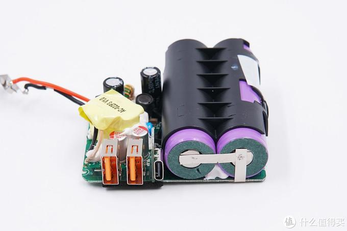 拆解报告:aigo爱国者5000mAh二合一移动电源AC500PD