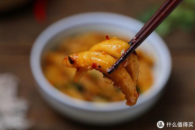 土豆又出花样吃法,蒸一蒸、搓一搓,炒着吃爽滑Q弹、香辣开胃!