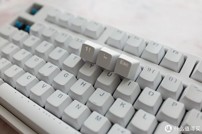 这才是性价比代表——Ganss104C白色白光机械键盘体验分享